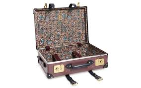 Globetrotter rolling suitcase