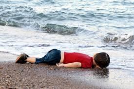 Resultado de imagem para Aylan Kurdi