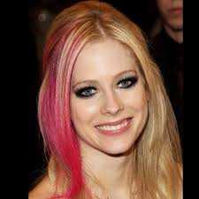 simple ways to look like avril lavigne eye makeup
