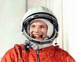 День космонавтики Интересно и красиво животные природа и много  12 Апреля День Космонавтики Гагарин gagarin