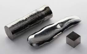 File:Rhenium single crystal bar and 1cm3 cube.jpg - Wikipedia