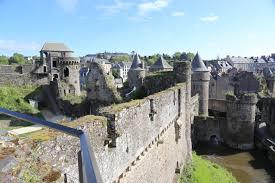 Château de Fougères - Vista-AR