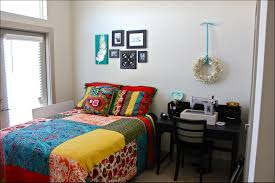 college apartment decorating ideas. Plain College Great Wall Decor Ideas For College Apartment Decorating Cool  With For College Apartment Decorating Ideas