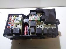volvo s40 fuses fuse boxes volvo v50 s40 04 07 fuse box relay 30679820 30728013