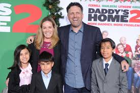Pete (mark wahlberg) and ellie (rose byrne) must learn the ropes of instant parenthood when they bring in three foster children. Daddy S Home Director On Foster Kids From Drug Addicted Mom Time