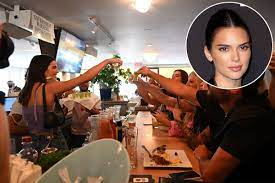 Kendall Jenner paid a $ 100 fine for ...