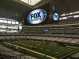 how big is the dallas cowboys massive screen in at t stadium