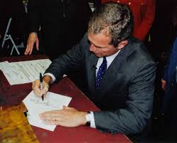file george w bush in concord new hampshire signing papers for  file george w bush in concord new hampshire signing papers for presidential run