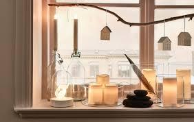 Fördernd für kommunikation und stimmungsvolles ambiente des wohnzimmers ist das harmonische arrangement der sitzmöbel. 6 Wundervolle Wohnzimmer Deko Ideen Fur Feiertage Ikea Deutschland