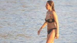 Yalan Dünya'nın Açılay'ı bikinili yakalandı! - Medyafaresi.com Mobil