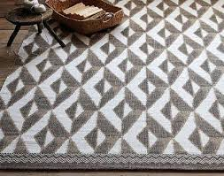 west elm area rugs choosing the right west elm rugs west elm taupe and white tribal west elm area rugs