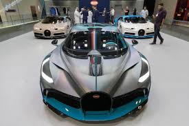 Lightning-fast Bugatti Chiron lights up Dubai Motor Show