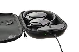 bose noise cancelling headphones case. the powerpod quickly fully charges bose headphones in less than 30 min. pass through charging allows you to charge and at noise cancelling case s