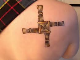 Tatuaggi Di Croci E Simboli Religiosi Esempi E Foto Significato