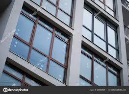 Schöne Moderne Wohnung Haus Rechteckige Fenster Reflektieren Kalte