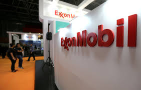 Exxon Logo Designer Exclusive Exxon Steps Up Assets Sales With Sweeping 25