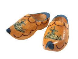 80 svintage holland 80s vintage netherlands wooden shoes ornament 088319