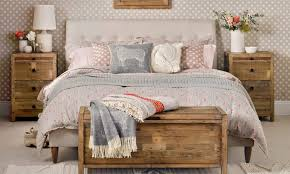 treat your bedroom as a calm retreat from the busy nature of everyday life a place to de stress and unwind after a hectic day