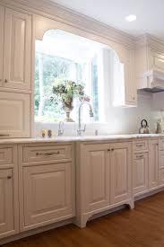 Traditional White Kitchen Evo Design Center