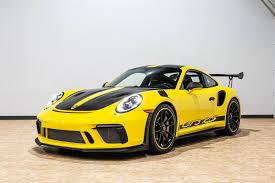 Yeni 911 gt3 rs modelinin eksantrik milleri ile supapları arasındaki boşluk telafisi hidrolik olarak değil, katı bir düzenin parçası olarak şim levhaları ile sağlanır. Used 2019 Porsche 911 Gt3 Rs For Sale 239 888 Mclaren Orlando Llc Stock M200003c