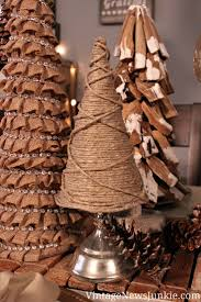 Easy DIY Twine Christmas Tree. Top 10 Rustic DIY Burlap Projects for  Christmas