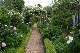 how to design a garden path expert