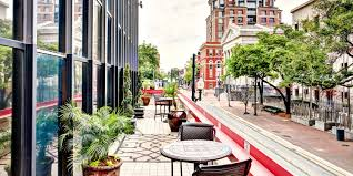 warehouse district hotels in new orleans