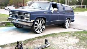 Coolys 1989 Chevy Suburban on 28s (B4-ThePaintJob) - YouTube
