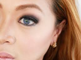 makeup for blue eyes brown hair you