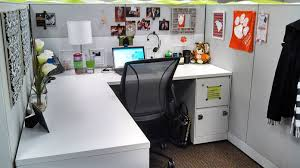 decorate office cubicle. Simple White Theme For Office Room With Desk And Table Lamp Also Wall Pictures On Decorate Cubicle L