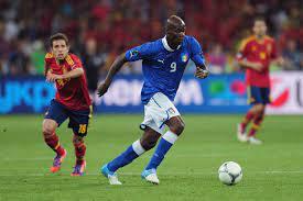 Italy vs. Spain: Mario Balotelli and ...