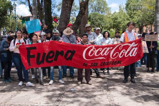 Coca Cola sale del mercado en México por Envenenar Los Productos