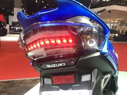 2018 suzuki 125.  125 semakin terasa modern karena panel speedometer swish 125 ini sudah full lcd  digital for 2018 suzuki 1