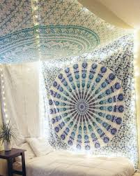wall tapestry in innovative ways