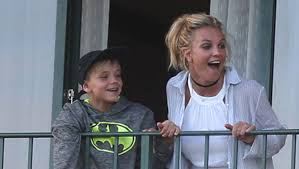 Jamie spears was born on july 6, 1952 as well as britney, the couple have two other children, bryan james, born in 1977, and jamie lynn, born in 1991. Britney Spears Breaks Silence On Son Jayden S Video About Quitting Music Hollywood Life