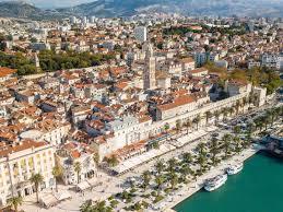 Перевод слова split, американское и британское произношение, транскрипция, словосочетания, однокоренные слова, примеры использования. Day Trips From Split 2021 Island Hopping Boat Trips And More