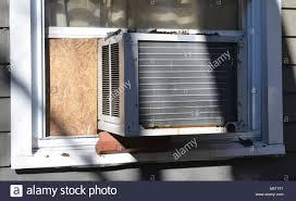 Window Air Conditioner Stockfotos Window Air Conditioner Bilder
