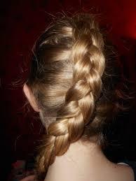 袴に似合う髪型は小学生最後の舞台を飾るにふさわしいヘアアレンジ