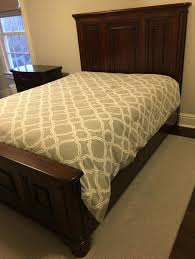 Hooker Furniture Queen Size Mahogany Bed Frame