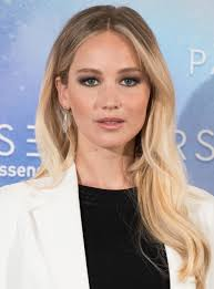Jennifer Lawrence New Hair Style see jennifer lawrences hair extensions instyle 2329 by wearticles.com