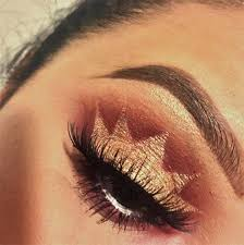 the crown eyeshadow looks really precise so it s a good idea to watch a tutorial before you attempt it bronze crown