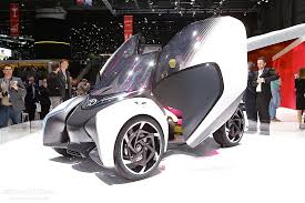 Toyota i-Tril Concept Shows Company's Vision For 2030, Has Three ...