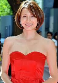 モデル米倉涼子の2011年ショート髪型他 Getbeauty 髪型 ボブ 米倉