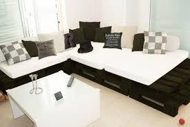 21 DIY Pallet Sofa Plan And Ideas