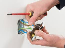 wiring an outlet in the middle of a circuit replacing electrical outlets 12 gauge or 14 gauge wire