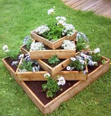reclaimed pallet planter these are the best garden diy yard ideas