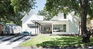 arbib hughey design have completed a new contemporary house in austin texas that has