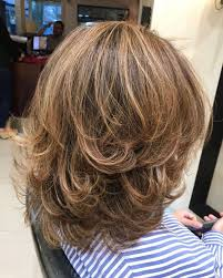 Fashion Layered Haircut For Curly Hair Medium Length Eye Popping