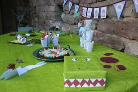 C'est un gros fichier pdf gratuit avec des fiches et des épreuves, énigmes et activités, pour amuser les enfants! 48 Idees De Chasse Au Tresor Dinosaure Chasse Au Tresor Dinosaure Oeuf Dinosaure