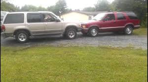 Ford explorer vs Chevy blazer - YouTube